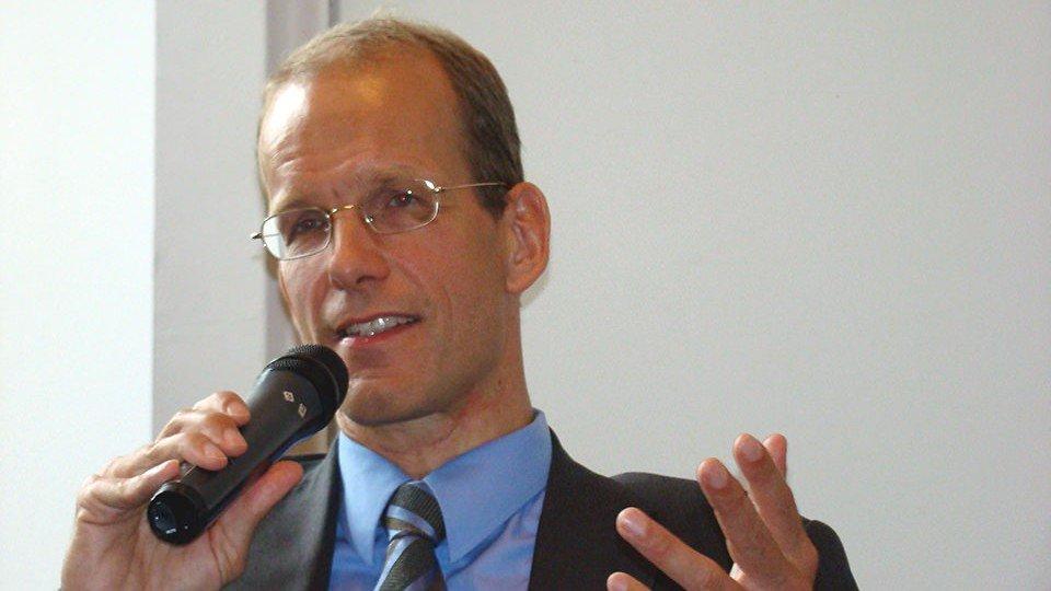 Prof. Dr. Katzenmeier präferiert die außergerichtliche Streitbeteiligung.