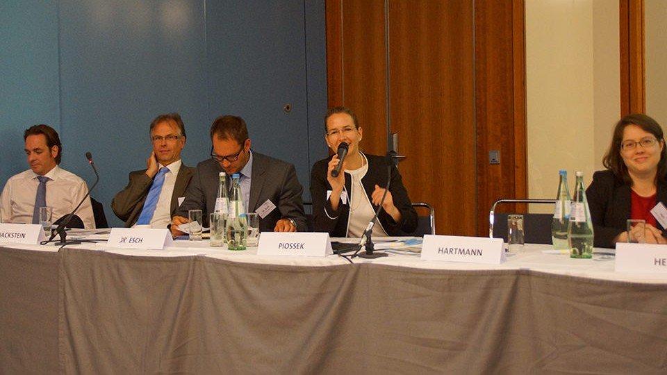 Dr. Markus Plantholz, Jörg Hackstein, Dr. Oliver Esch, Daniela Piossek, Maria Heil (v.l.n.r.)