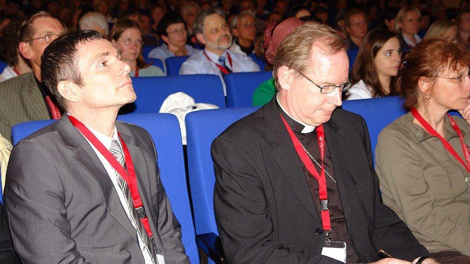 Prof. Dr. Volker Großkopf (l.) und der Erzbischof von Utrecht, Willem Jacobus Eijk (r.).