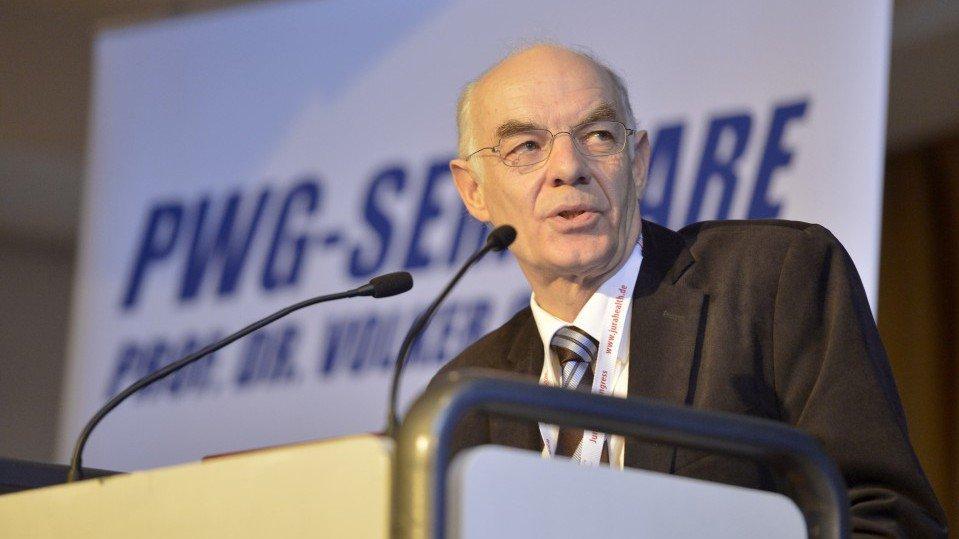 Der Internist und Geriater Prof. Dr. Hans Georg Nehen von der Gerontologischen Beratungsstelle Memory Clinic in Essen.