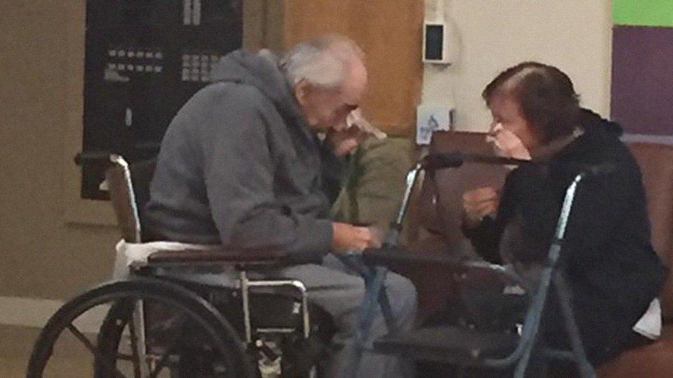Ein Ehepaar muss sich nach 62 Jahren trennen