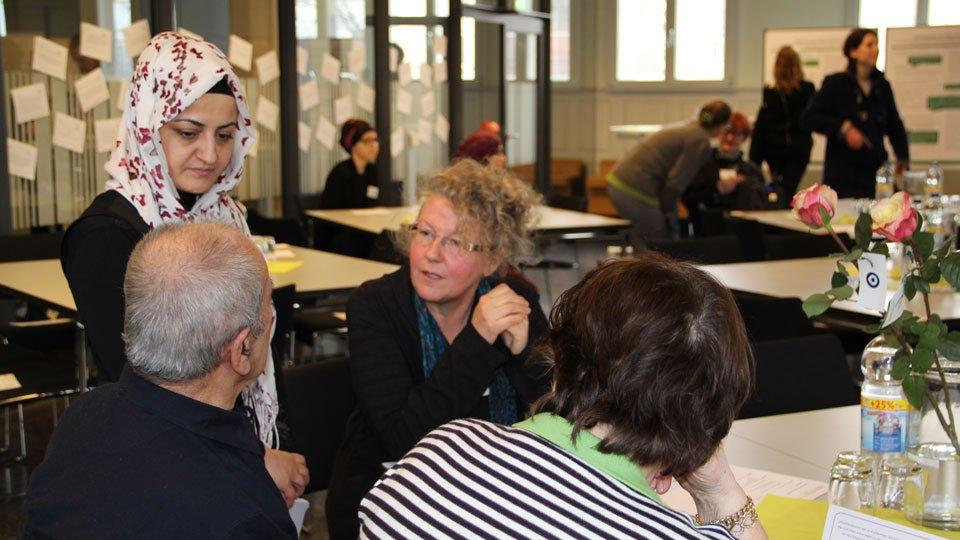 Migranten und Migrantinnen in der Altenpflege