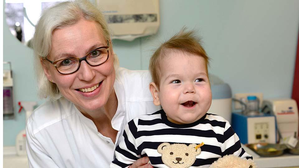 Kilian kam mit einem Herzfehler - mit nur einer funktionierenden Herzkammer - zur Welt.
