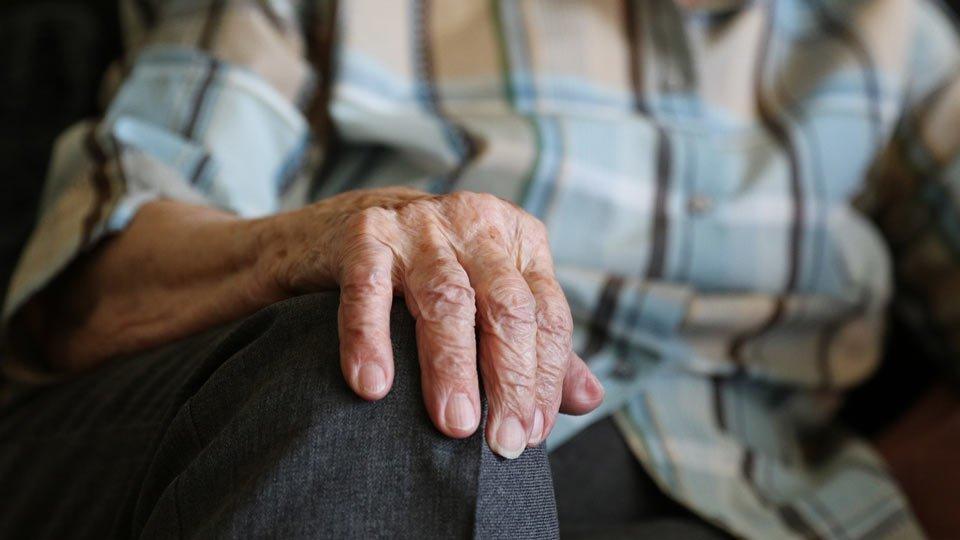 Muslimische Pflegehelferin zu recht gekündigt