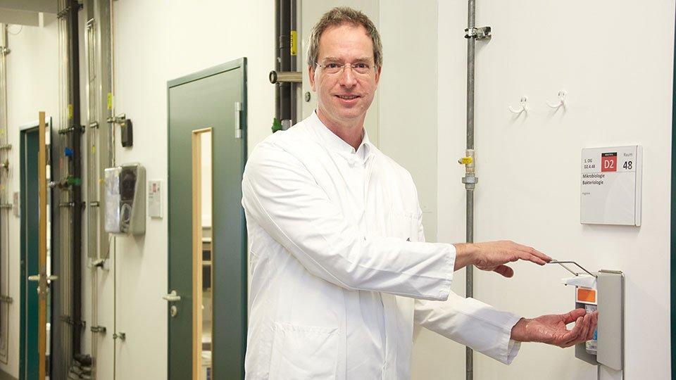 Prof. Schneider, Hygiene