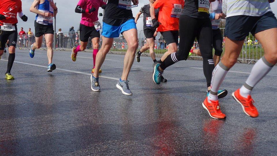 Kompressionsstrümpfe im Sport – wie sie wirken und was sie nutzen