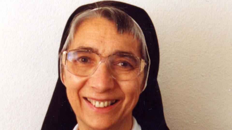 Liliane Juchli, Schweizer Krankenschwester und Ordensschwester der Barmherzigen Schwestern vom heiligen Kreuz.