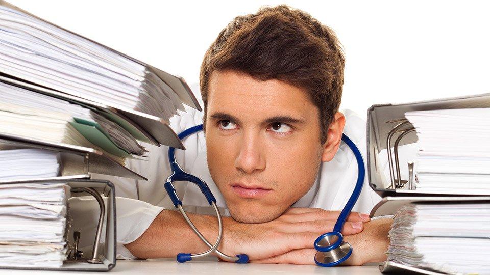 Auch ärztliche Organisationsfehler können als grobe Behandlungsfehler gewertet werden.