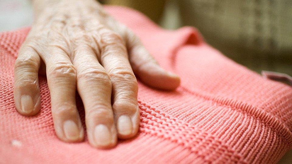 Die persönliche Wäsche von Pflegeheimbewohnern als potenzielles Hygienerisiko.