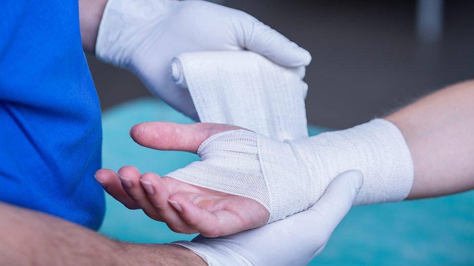 § 31 Abs. 1a SGB V definiert seit seinem Inkrafttreten über welche Eigenschaften ein Produkt zur Wundversorgung verfügen muss, um von den Krankenkassen als Verbandmittel anerkannt zu werden.