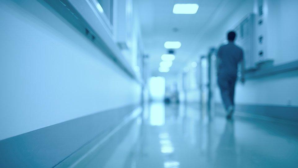 Streitig war in diesem Fall, ob es sich bei der Tätigkeit der Altenpflegerin als Nachtwache um eine selbstständige oder abhängige Beschäftigung handelte.