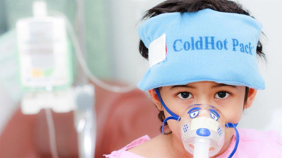 Kalte Wickel eignen sich unter anderem bei Prellungen oder zur Fiebersenkung.