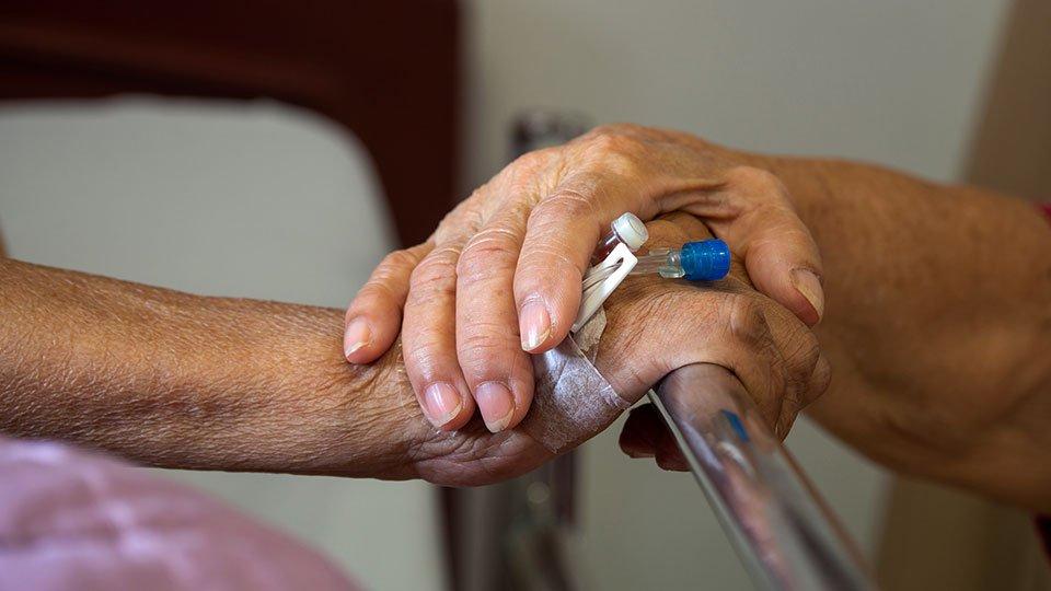 Damit eine Patientenverfügung gültig ist, muss sie ausreichend konkret formuliert sein.