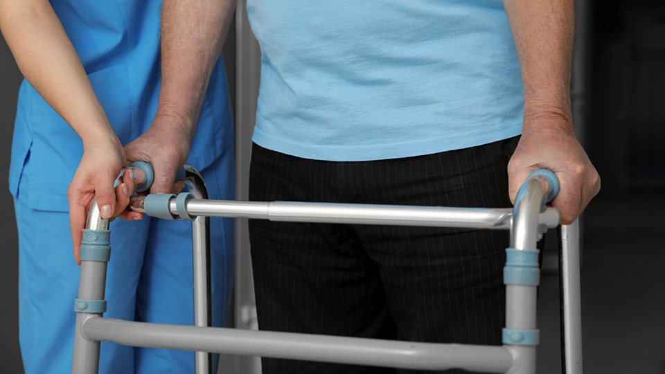 Die Pflegekammer Niedersachsen hat die Erhöhung des Mindestlohns für Pflegefachkräfte auf 15 Euro als «Witz» bezeichnet.