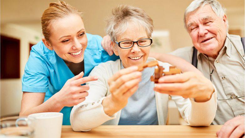 Es müssen nicht immer Medikamente her, wenn es um die Therapie von Demenz geht.