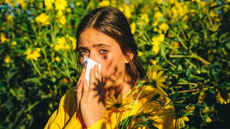 Der Frühling naht, Bäume und Pflanzen beginnen zu blühen - für viele fängt damit auch verstärkt die Zeit der Pollenallergie an.