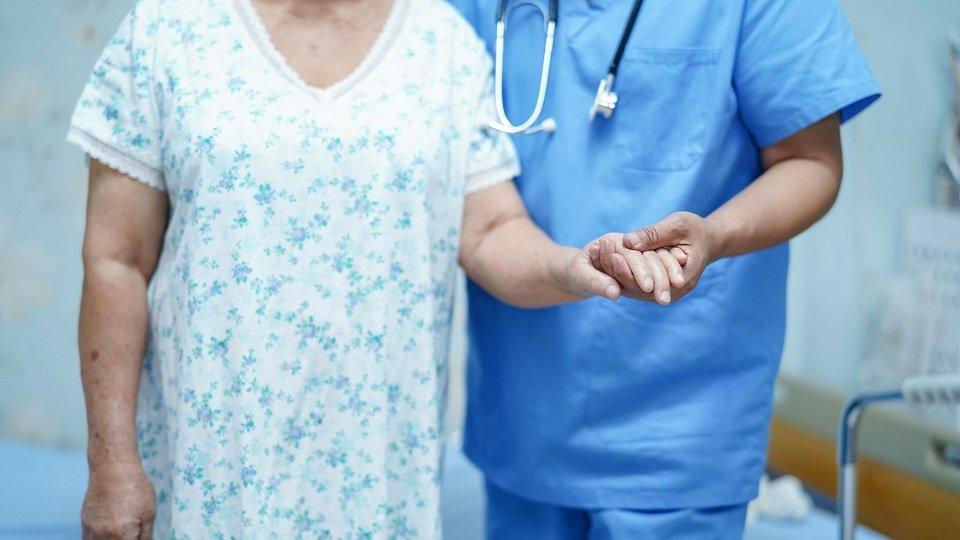 Nach langer Debatte gibt es mittlerweile Klarheit über die Bonuszahlungen, die an Pflegekräfte ausgezahlt werden sollen.
