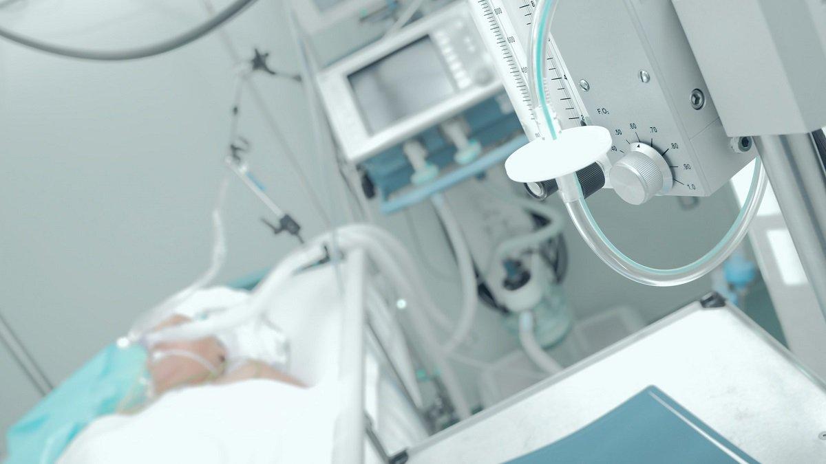 Patient im Krankenhausbett. (Symbolbild)